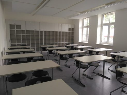erstes Klassenzimmer ist eingeräumt